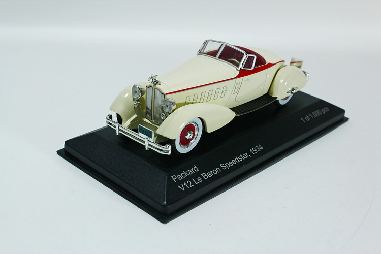 PACKARD V12 Le Baron Speedster 1934 white/red