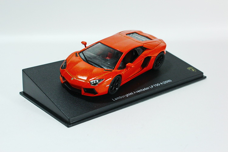 Lamborghini Aventador LP 700-4 2010 orange